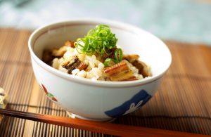よく噛んで玄米を食べると体にいいこといっぱいありますよ。