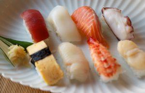 ネタも新鮮、酢飯も美味しい8カン入りは580円。お値打ちですよ!