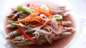 季節の小魚に変えたり、野菜も玉ねぎや人参など普段のお野菜にしたり・・。マリネ液は何にでも合いますよ!