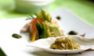 バジルペーストを白みそに混ぜてバジル味噌を作りました、バジルの使い道は和の世界にも広がりますよ。