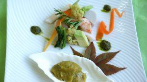 バジル味噌には、魚介類はもちろん小芋、アボガド、茹で野菜がとっても合います。