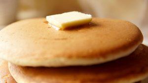 甘いのが好きな方はメイプルシロップをかけてくださいね。牛乳を豆乳に替えるのもいいですよ!