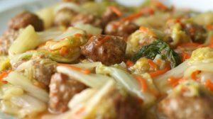 縦に白菜を棒状に切ると、味も染み込みやすく、肉団子とのからみもいいですよ!
