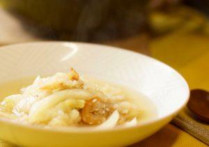 小ぶりな白菜なら丸ごと1個使います。たっぷりで煮る方が断然美味しいのです。