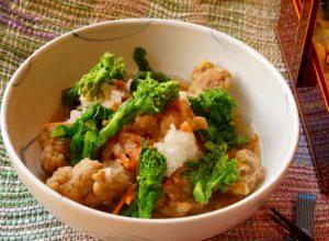 季節によって、菜の花を小松菜や三度豆に変えてください。